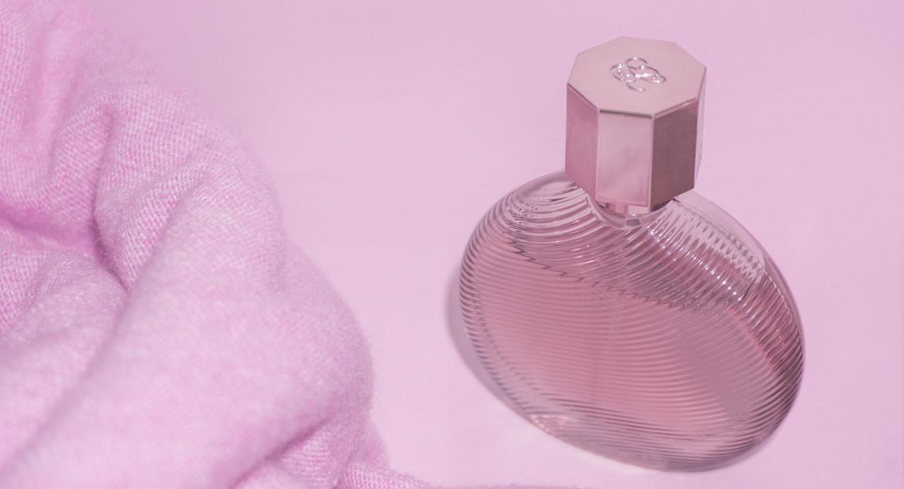 perfume-background-1